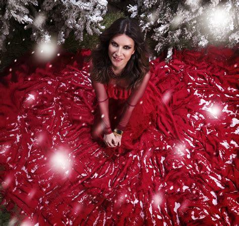 imagenes feliz navidad laura laura pausini y su nuevo album quot laura navidad quot blog for