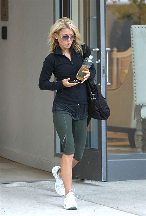 kelly ripa workout routine 2013 kelly ripa s secret to stay healthy workout diet