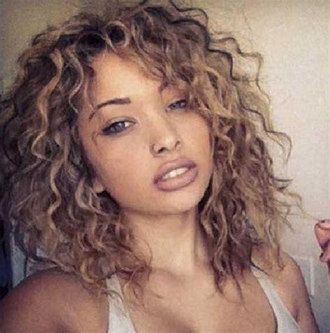 35 long layered curly hair hairstyles haircuts 2016 2017 35 new curly layered hairstyles hairstyles haircuts