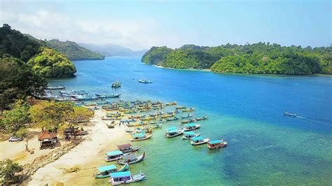 wisata jawa timur berbujet murah  wajib dikunjungi