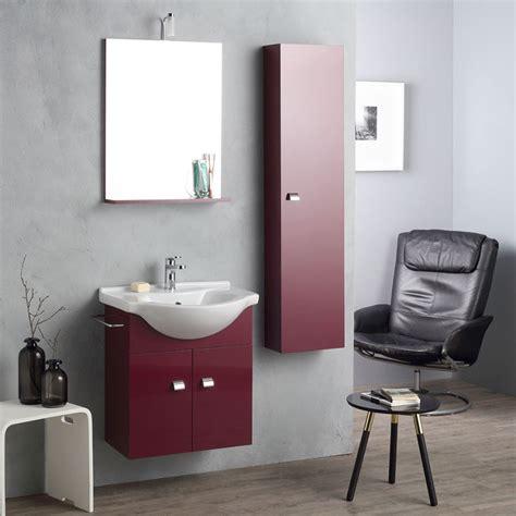 mobili bagno piccoli spazi arredo bagno rosso scuro con colonna per piccoli spazi