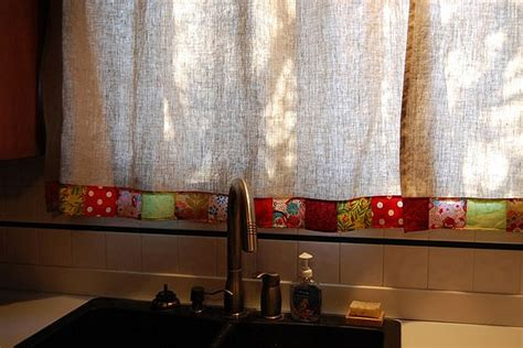 simple kitchen curtains