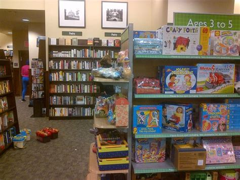 Barnes And Noble Lexington Ave Barnes Amp Noble Book Store Amp Cafe New York City Upper