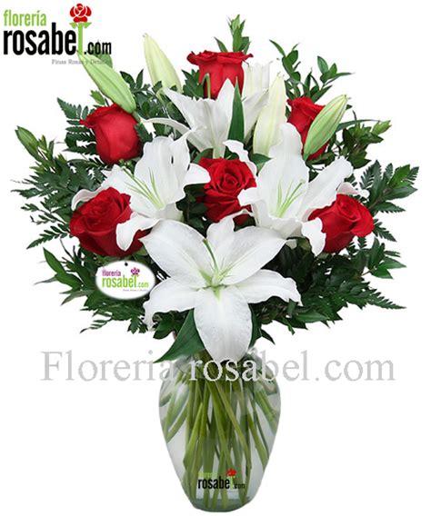 floreros y jarrones floreros con rosas jarron con blancas jarron con rosas