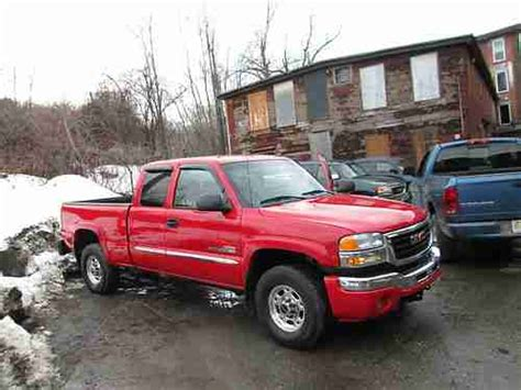 purchase used 2003 gmc sierra 2500 hd slt extended cab pickup 4 door 6 6l in fitchburg purchase used 2003 gmc sierra 2500 hd slt extended cab pickup 4 door 6 6l in fitchburg