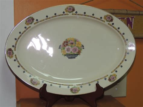 ivory charger plates antique hutschenreuther selb bavaria 15 quot platter crown