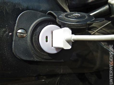 Bmw Motorrad Batterie Laden by Stromversorgung Unterwegs Handy Und Co Laden Auf Tour