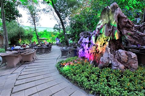 Exploring Rock Garden Caf 233 In Hcmc News Vietnamnet Rock Garden Cafe