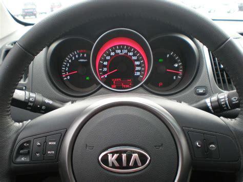 volante pi禮 forte kia cerato 2012 interior image 94