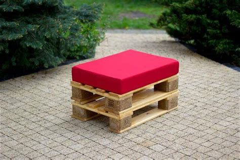 ottoman from pallet diy pallet patio and living room furniture ideas 99 pallets