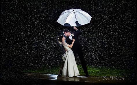 wallpaper of couple in rain 20 love couple s romance in the rain wallpapers