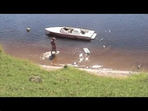 boat crash you tube rc boat crash bugger vo 1 youtube