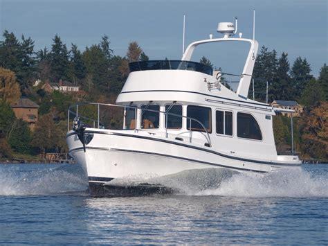 sea trial helmsman trawlers  sedan passagemaker