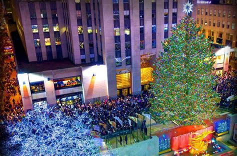 when do they light the christmas tree in nyc 2017