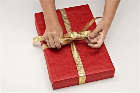 wrapping gifts download wrapping presents slucasdesigns com