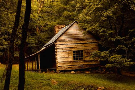 photo log cabin landscape  landmark  image  pixabay