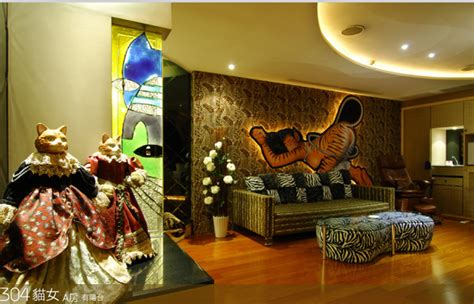 theme hotel at taiwan super cool batman themed hotel rooms in taiwan