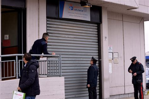 ufficio entrate torino spari all agenzia delle entrate 1 di 12 torino