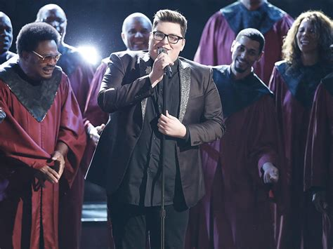 the voice 2015 premiere recap smith sings quot the voice smith sings somebody to beats adele on itunes