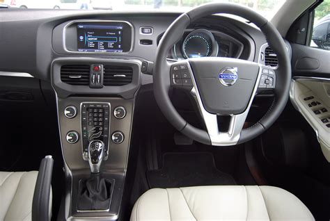 Volvo V40 Interior Lighting by Volvo V40 D2 Powershift Review Driving Torque