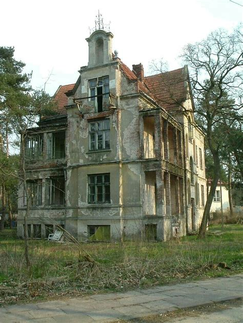old abandoned houses umanbn 4901 best abandoned mansions images on pinterest