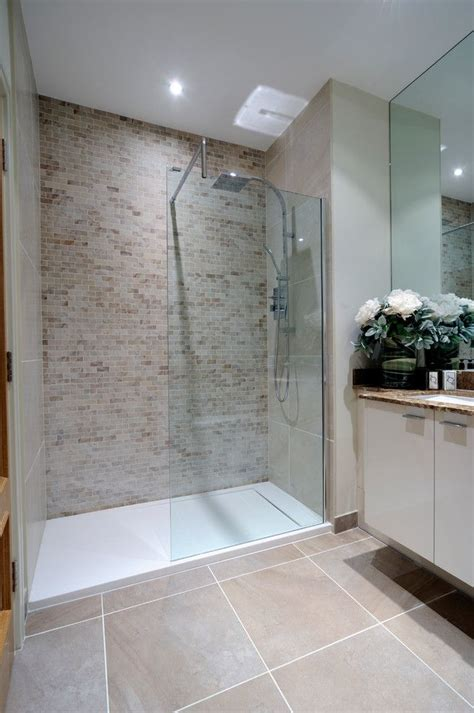 feature tiles bathroom ideas best 25 shower floor ideas on pinterest