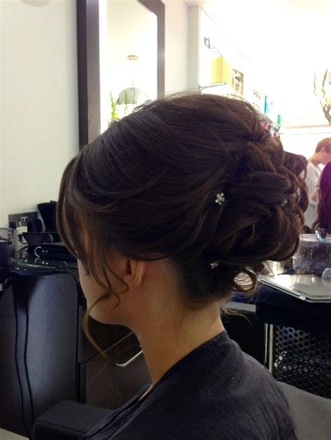 Hair Up Wedding Guest X by The 25 Best Wedding Guest Hair Updos Ideas On