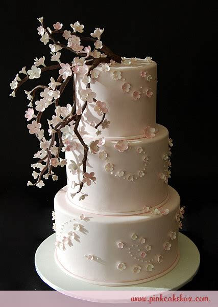 Fiori Chocolate Sugar Box floral wedding cake inspiration