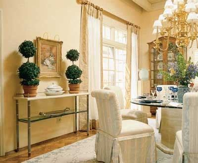 Traditional and Formal Dining Rooms   Dining Room Decorating Idea: Traditional and Formal