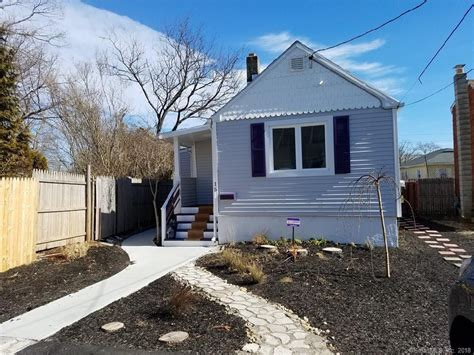 vacation in a tiny house tiny rentals in vacation destinations that are affordable