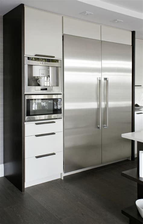 modern white kitchen appliances what manufacturer are the refrigerator freezer thermador