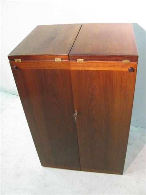 Rolling Bar Cabinet Mid Century Modern Rosewood Foldup Rolling Bar Cabinet By Skovby At 1stdibs