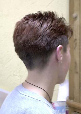 Woman Clippered Nape Haircut   LONG HAIRSTYLES