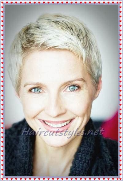 side swept hairstlyes older elebrities pixie hairstyles for older women in 2018 haircut styles
