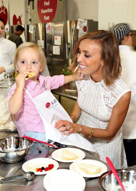 giuliana rancic e star talks about baby bill and giuliana rancic and her son duke rancic attend junior