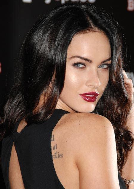 megan foxs makeup how to get her skin bold lip exact look megan fox makeup red lips mugeek vidalondon