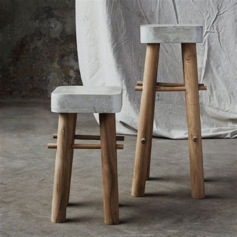 Concrete Stool Diy by 25 Best Ideas About Concrete Furniture On