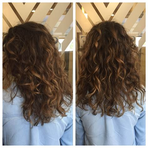 naturally thick black curly hair styles with bayalage color i just love balayage on curly hair hairbydanaduffy