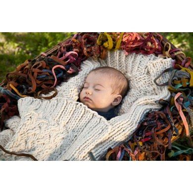 Leslie Outer B L F outer baby blanket knitting pattern by leslie scanlon