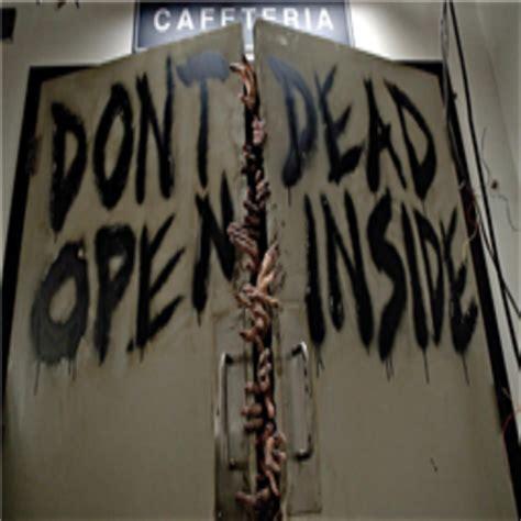 Kaos The Walking Dead Dont Open Dead Inside Putih 1 the walking dead season 1 dont open dead inside roblox