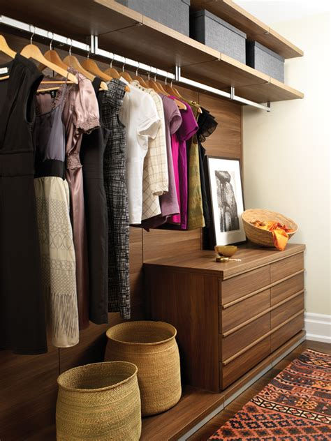 Dressing Closet by 20 Dreamy Walk In Closets To Covet