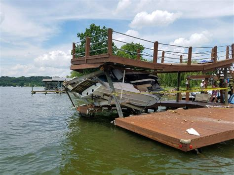 fast boats crashing wbir 3 east tennessee boaters survive crash into