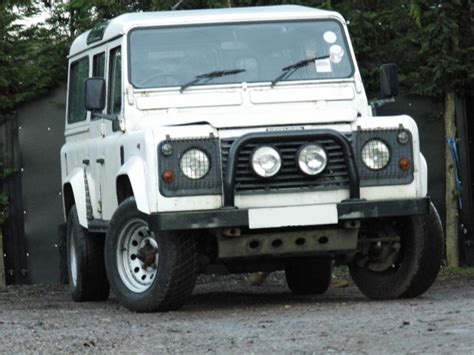 land rover defender 110 300tdi station wagon multi point