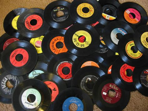 Uk Records Vinyl Revolution Vinyl Record Sales Hit 10 Year High Gigslutzgigslutz