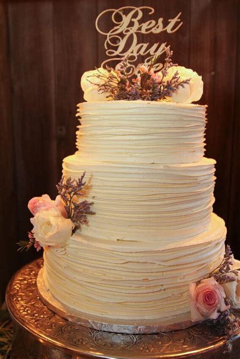 rustic textured buttercream wedding cake