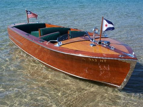 pontoon boats definition best 20 runabout boat ideas on pinterest wooden boats