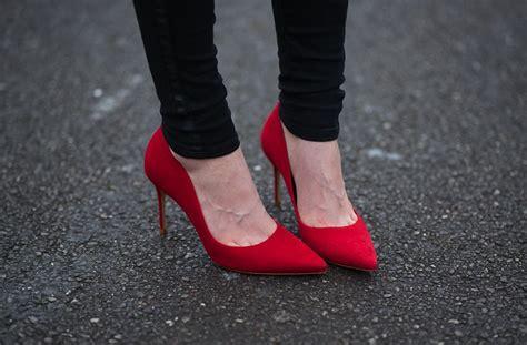 Sepatu Balet Glamor 5 pilihan sepatu merah untuk menghadiri pesta natal