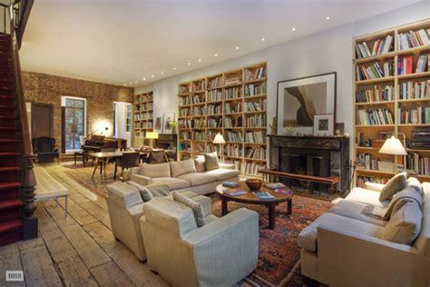 manhattan house annie leibovitz s manhattan house on sale for 33 million extravaganzi