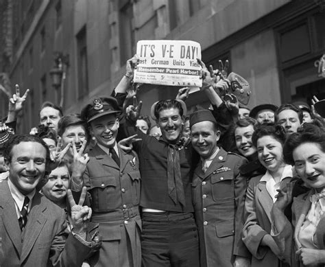 hibious warfare in world war ii the history crowd celebrating victory day in times square end of