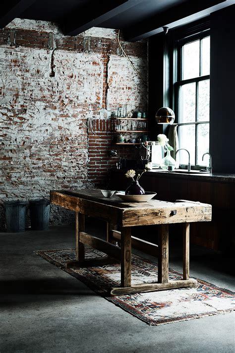 libro urban pioneer interiors inspired beautiful industrial interiors urban pioneer lobster and swan